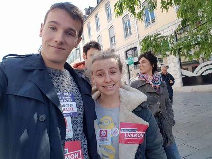 Emilie et Florent, représentant le MJS à la mobilisation du 1er mai 2017 #BattreLeFHaine